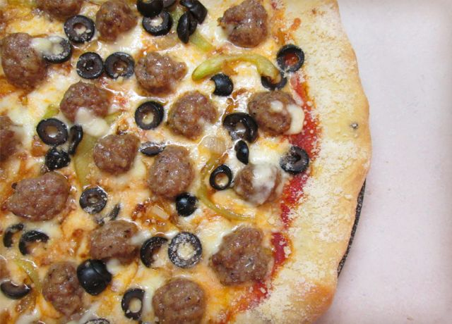 Image of Mini Stuffed Meatball Pizza with Garlic-Parmesan Sausage-Stuffed Crust