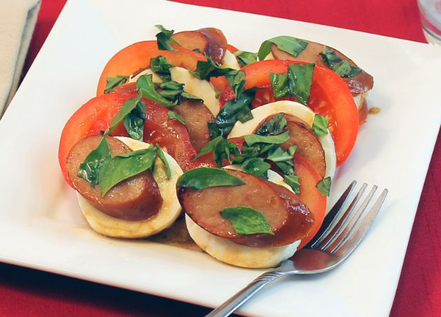 Image of Tomato and Mozzarella Salad with Johnsonville Apple Chicken Sausage